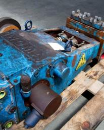 Démontage Expertise Réparation Remontage Essais sur banc d'une pompe hydraulique Woma