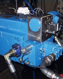 Démontage Expertise Réparation Remontage Essais sur banc d'une pompe hydraulique Eaton PVG250