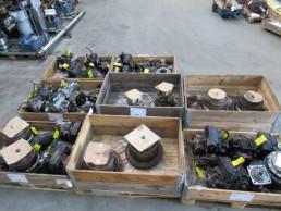 Lot de pompes et moteurs Rexroth et réducteurs Lohman